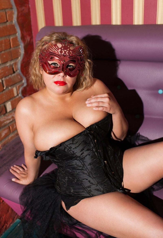 Сколько стоит самая дешевая проститутка в питере, как трахают домохозяйки
